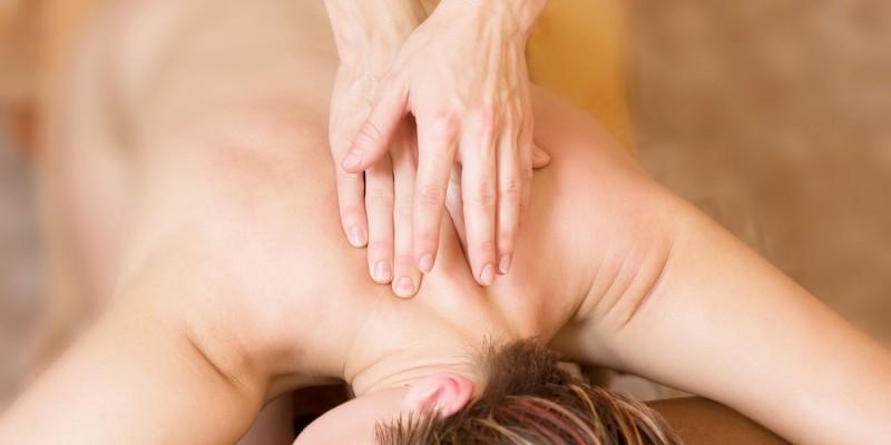 Massage auf dem Rücken